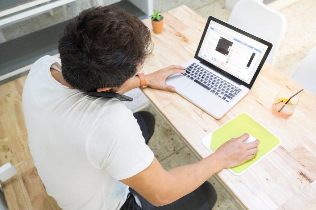 digitaler nomade und arbeit von unterwegs